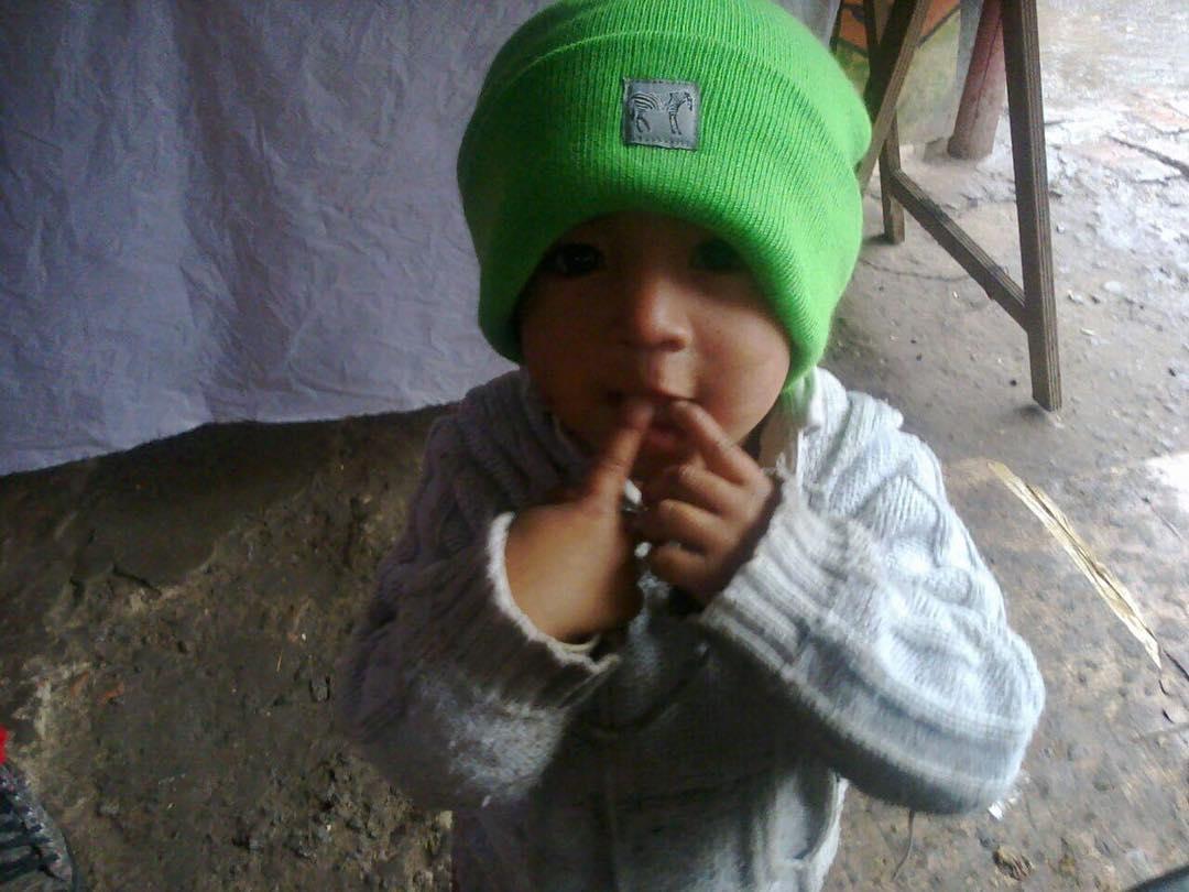 Los amigos de @casagrandesolidario nos envían esta hermosa foto de un niño del merendero grandes y pequeñas ilusiones! Así da ganas de ayudar! @fightforyourrightok  #actitudfight