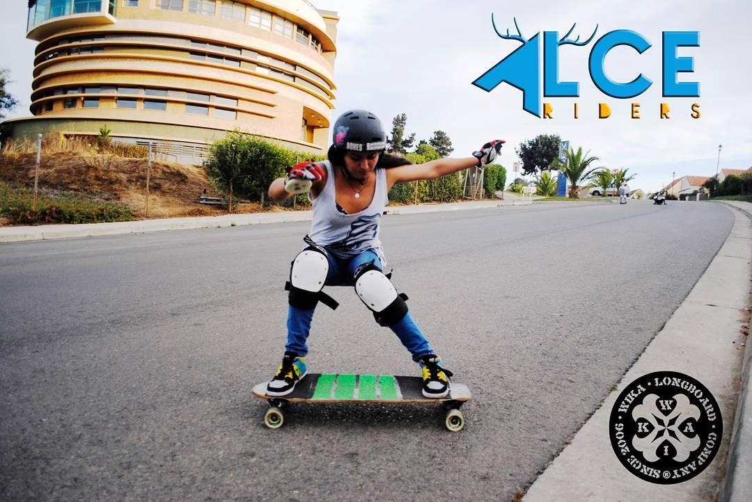 Desde Chile Jandy, metiendo power con sus #WikaWheels. #andarxandar #WikaSport #longboard #longboarding