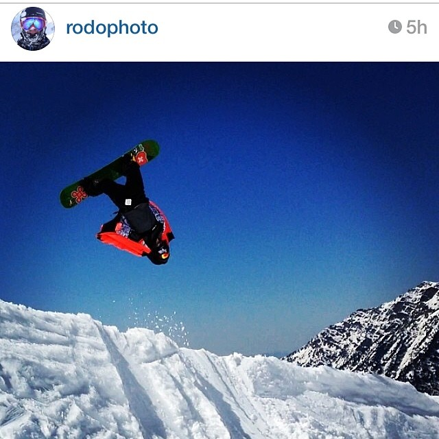 AV7Renegade @rodophoto gives 'er the old heave ho in Snowbird today. #springfling #rodorotor #snowboarding #avalon7 #liveactivated