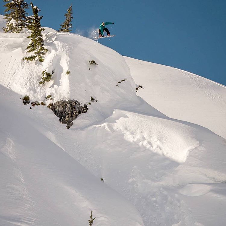Spring is in full bloom, but that's not stopping @jeremy___jones from squeezing out every last bit of winter conditions in the Whistler Backcountry. Switch Frontisde 180. #WasteNoTime #Nixon
