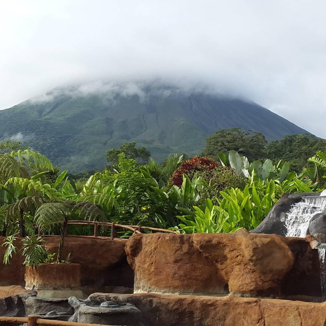 Aca se aprecia la grandeza de Dios. Fijate bien.... #all_my_own #allnatureshots #arte_of_nature #awesome #bestplace #costarica #despejado #descubrecostarica #estaes_america #agean_fotografia #fotografia #humedo #ig_costarica #instatravel #ig_great_pics...