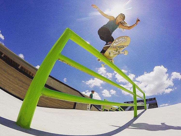 Happy Birthday to B4BC team rider and skate superstar @leticiabufoni!