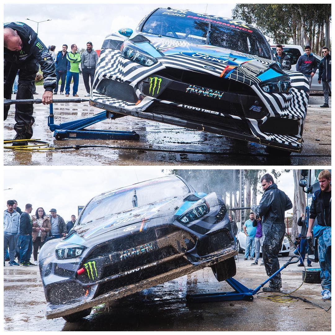 Two Ford Focus RS RX rallycross beasts getting a much-needed bath after a long day of testing yesterday here in Portugal. #mudbath #gravelgrime #FocusRSRX #FordRallyX