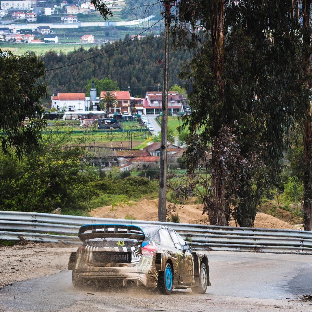 Yesterday's rallycross testing location was a racetrack in Lousada, Portugal - and it's right in the middle of town. Right off of one of the main streets, surrounded by houses and apartment buildings. So rad! Check out that downhill view of the Lousada...