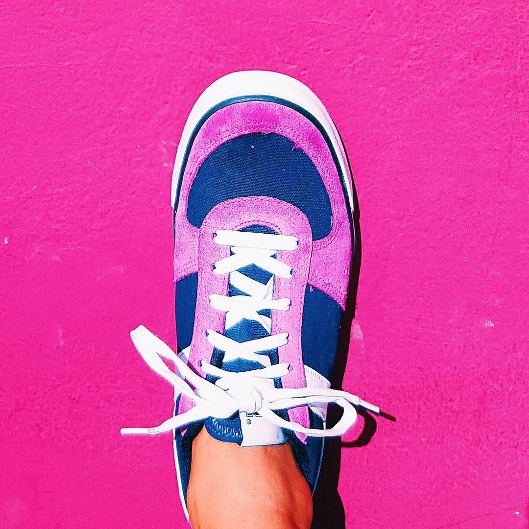 •Nolita•  #sneakers #sneakerfreaker #sneakerholics #womenswear #womensfashion #shoefie #fashionblogger #wall #pink  #kickstagram #shoestagram #vsco #vscocam
