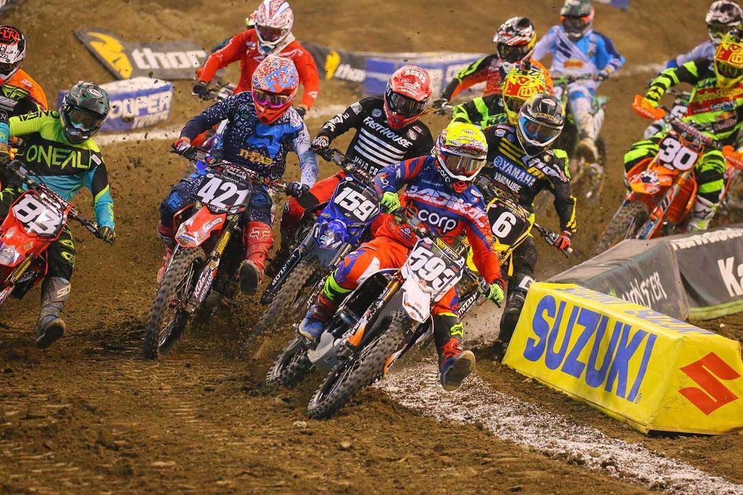 Así publico Vitalmx.com a nuestro Top rider Martin Castelo #Genio..Seguimos sumando experiencia junto a los mejores!!! ¨Martin Castelo got the holeshot in the first 250 heat, but it didn't last long.¨ Credit: GuyB