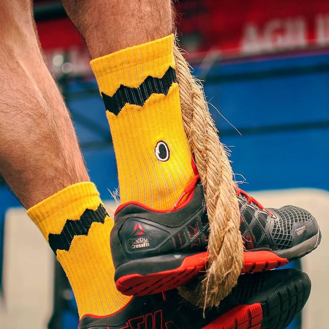 ¡En @cfunidossaben cómo entrenar con estilo! Vos también ponele onda y #CreaTuPropiaHistoria con tus #CharlieBrown. PH:@phmariocano  Link en bio para adquirir tus #Oliver. . . #OliverSocks #Medias #Socks #Color #Diseño #Crossfit #Gym #Snoopy...