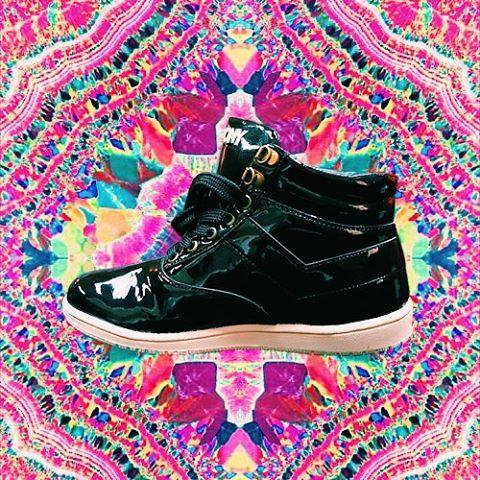 •L a n i n•  Charol ⚡  #sneakers #sneakerholics  #sneakerfreaker #vsco #vscocam #kickstagram #shoefie #shoestagram