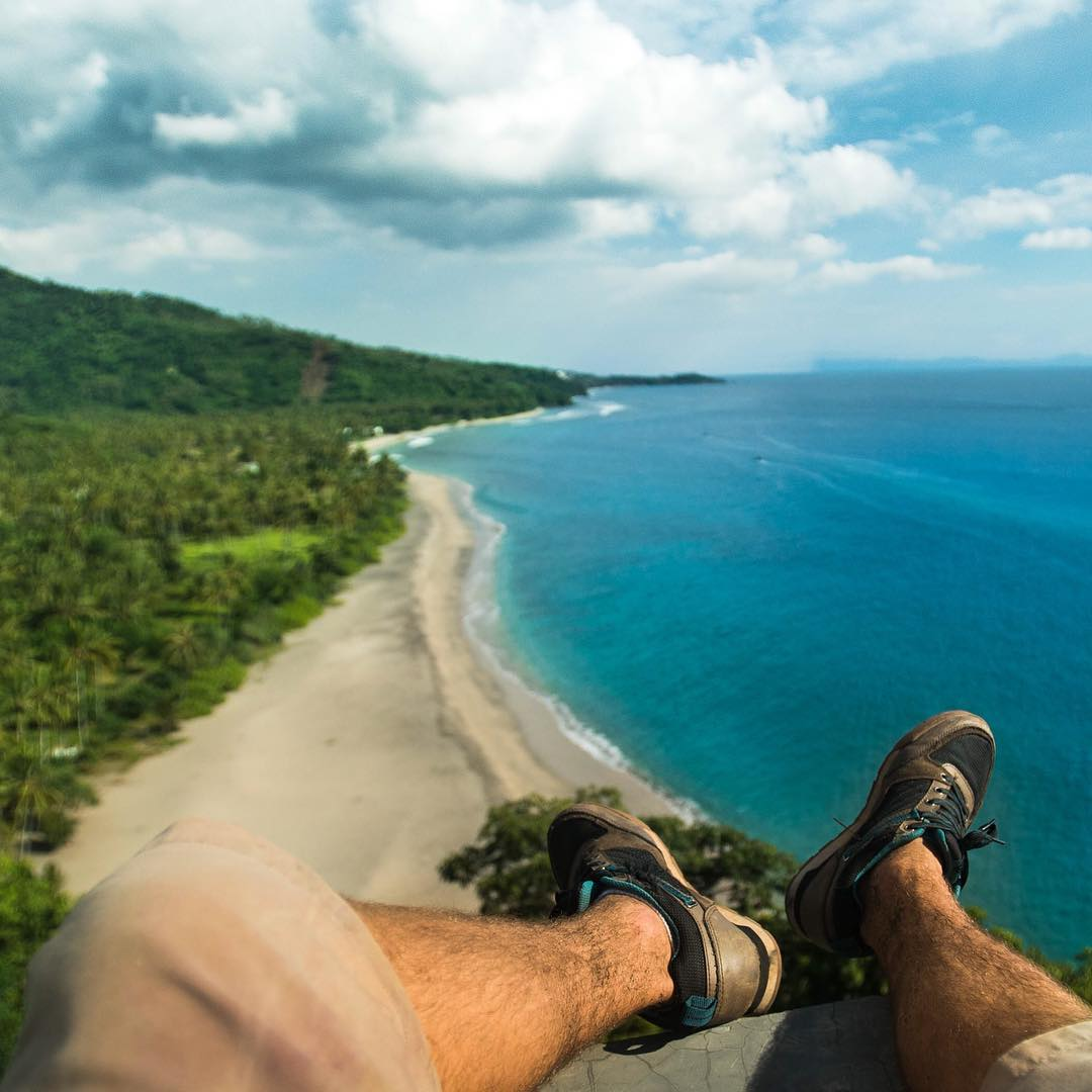A deserted Pacific island beckons @kylormelton to explore.