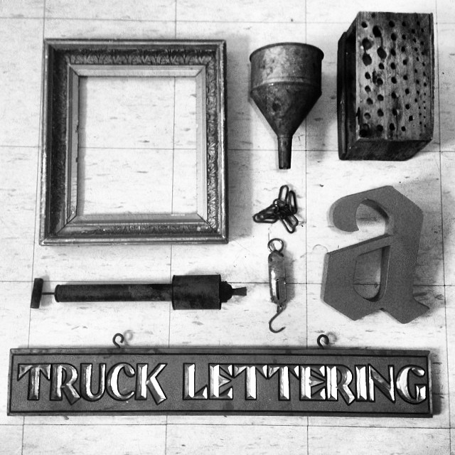 Awesome picks at the flea market today. #trucklettering #toddfarm #vintagecrap