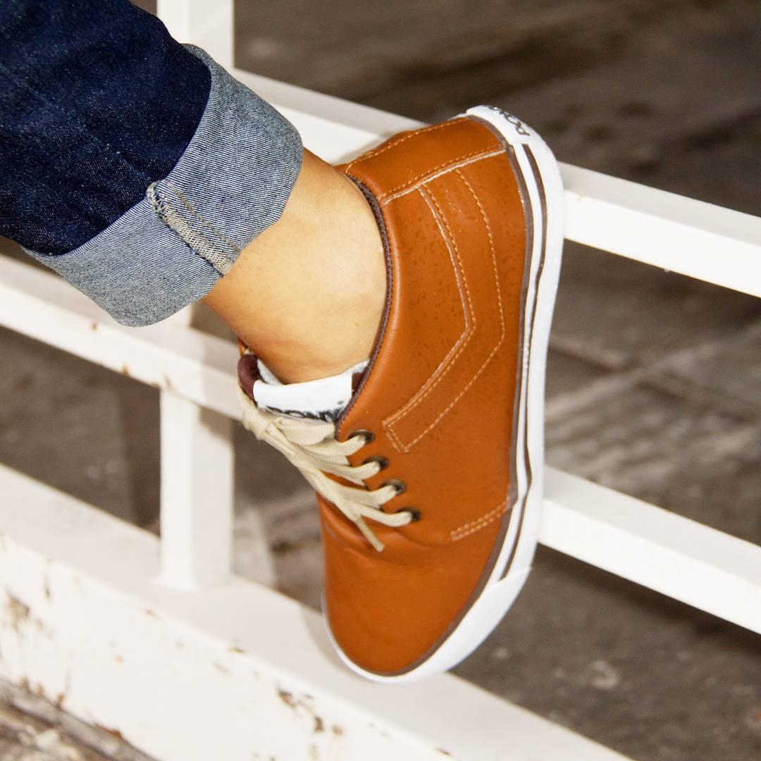 •P O T A S•  #sneakers #sneakerholics #sneakerfreaker #kickstagram #shoestagram #mensfashion #fashionblogger #womenswear