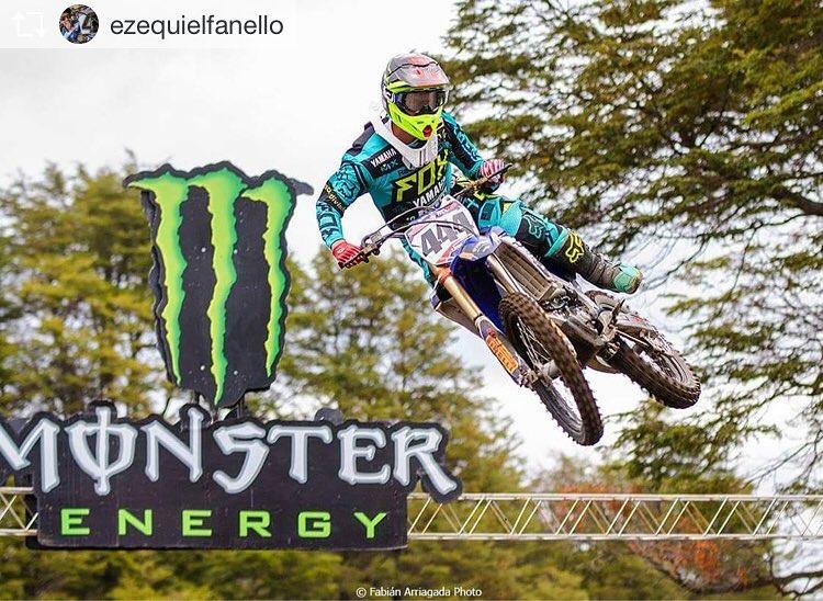 Bien por @ezequielfanello  #Rider de #foxheadargentina en #MX  #Regram from @ezequielfanello  Estamos en la previa de #barilochemx . Listos para el segundo round. Listos para pelear por la victoria. Ph @fabiarriagadaphoto  @foxheadargentina  @reloadcf...