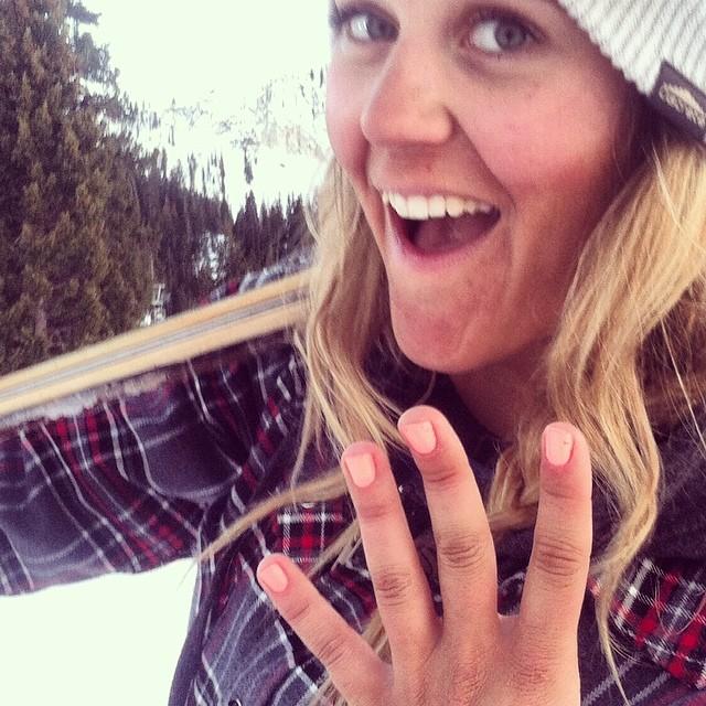 Hot pink nails up the stoke level like whoa. #SundayFunday #prettyfacesmovie #skilikeagirl #highaltitudehappiness @stohke @prettyfacesmovie @rampsports