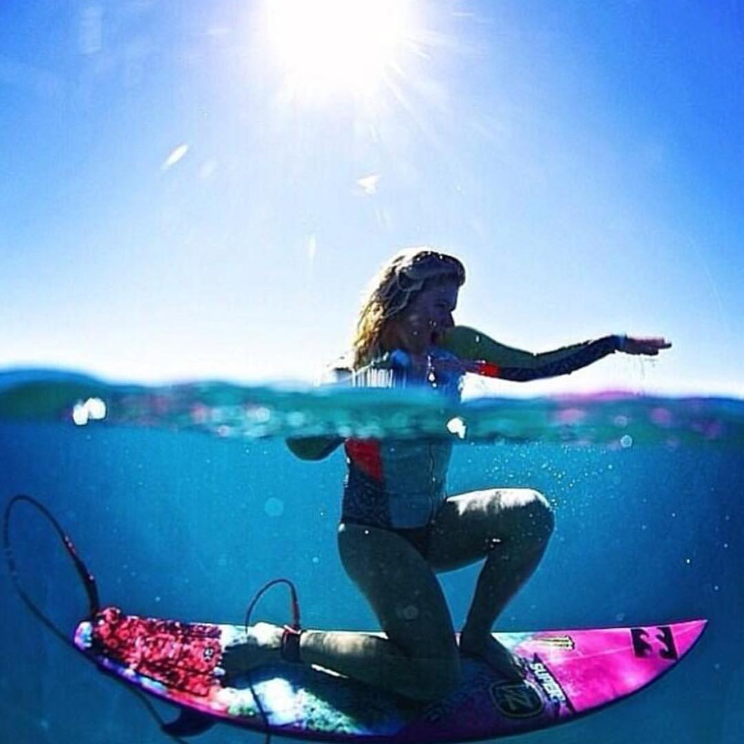 The weekend is upon us and it's time to #SupportWildLife! Get out there and be somebody with @hollydazecoffeyyy and #VonZipper