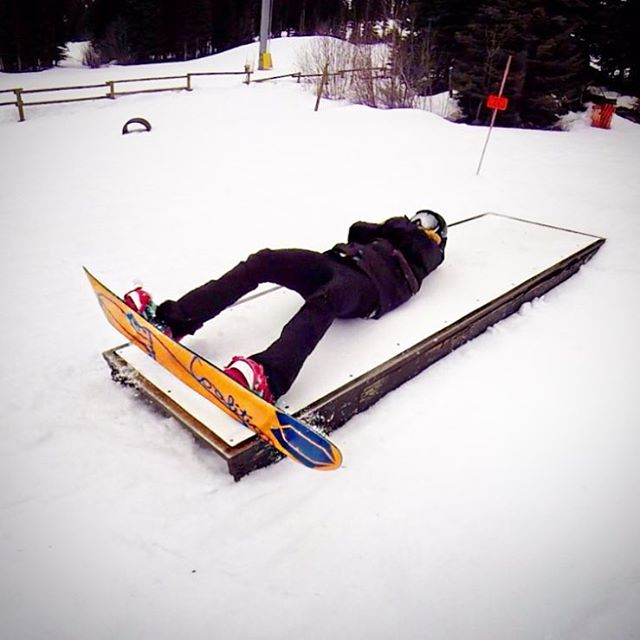 @katee_dee takes snowboarding till #death pretty seriously.  #sisterhoodofshred #coffin #snowboard #sping #park