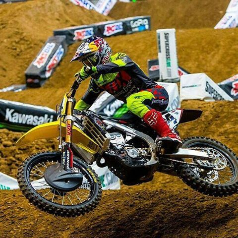 @foxheadinc:  Another solid race in the books for @kenroczen94 who battled it out and finished 2nd last night in St. Louis. #foxracing #liveforit #sx