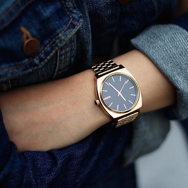 It's a classic for a reason. The #TimeTeller's simple yet versatile look is a Nixon favorite, wherever it goes.