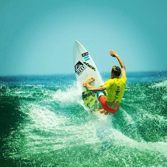 Postal de @Sebas_Ventura en su paso por Salinas, Ecuador. #soul #surfing #waves #isawjsc #reefargentina