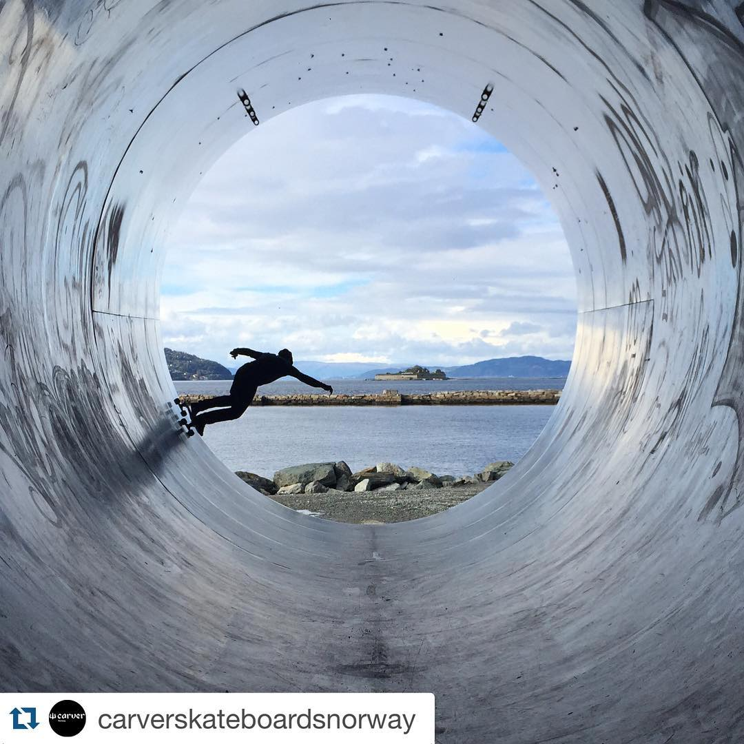 #Repost @carverskateboardsnorway with @repostapp. ・・・ #carver #surfyourskate #carverskateboards #carverskateboardsnorway#surf