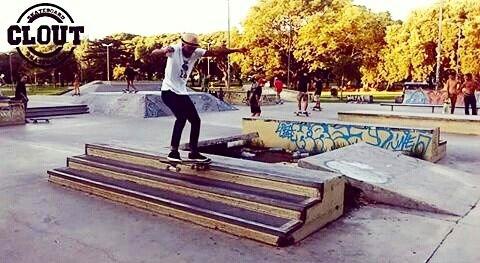 Jandro Diaz con un noseslide en el Converse Skate Plaza. Belgrano. #labskateboards #jandro #converse