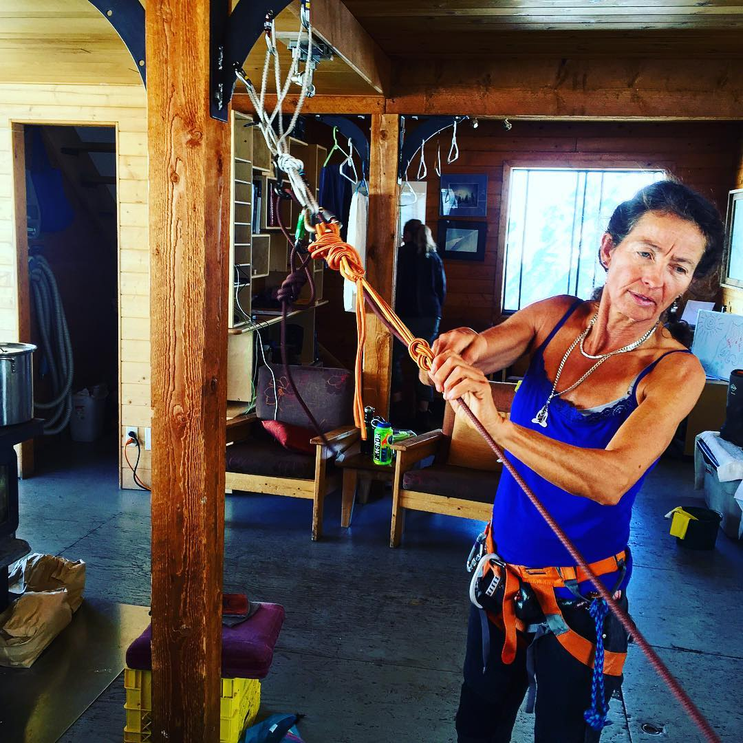@dinyharrison54 demonstrates how to release your system in a crevasse rescue scenario using a block and tackle. We are so stoked to have Diny's energy and experience on the #alpinefinishingschool. She was the first North American woman to become a full...
