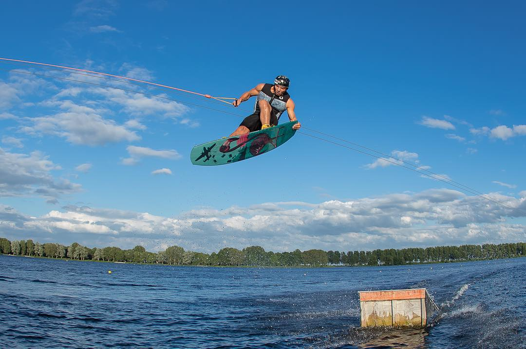 Dutch homie @tommyswaan boostin on the Oracle! #wakeboarding #madewithcareriddenwithout