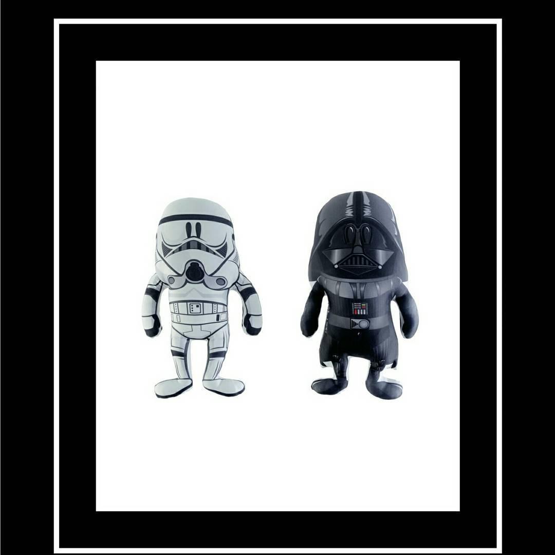 La parejita de muñecos que ya es un clásico nuestro. #darthvader #stormtrooper #starwars