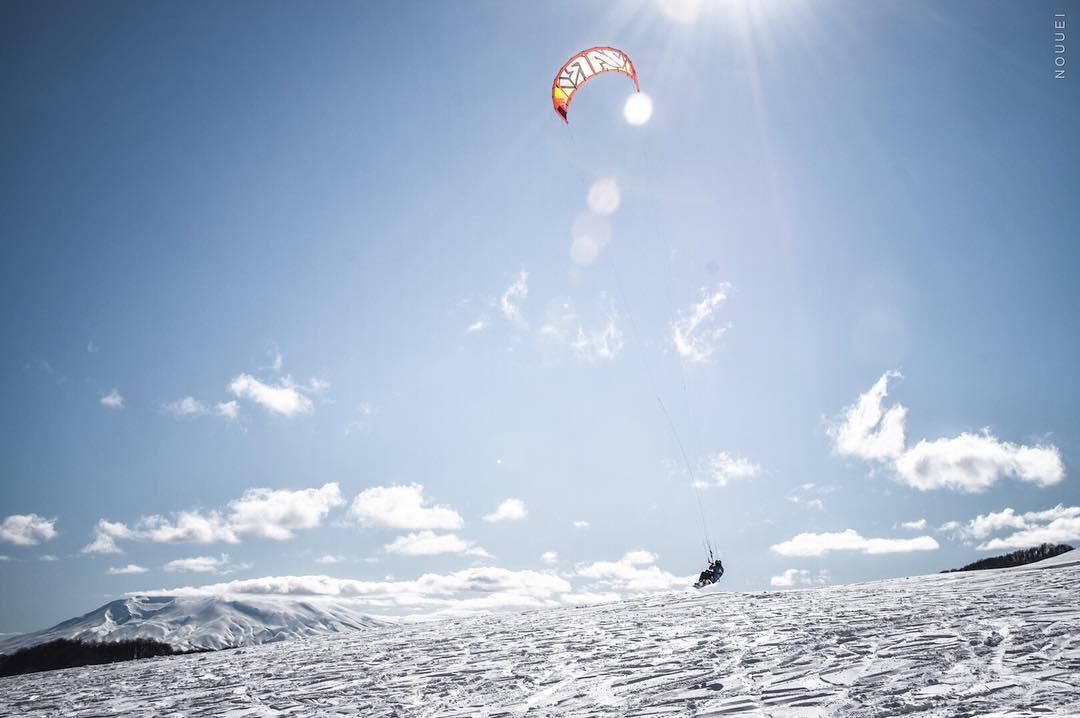 Snowkite Ph: #nouuei #vari&friends #snowkite #patagonia #kite #kitesurf #snow #exploring #border #argentina #chile #varikites