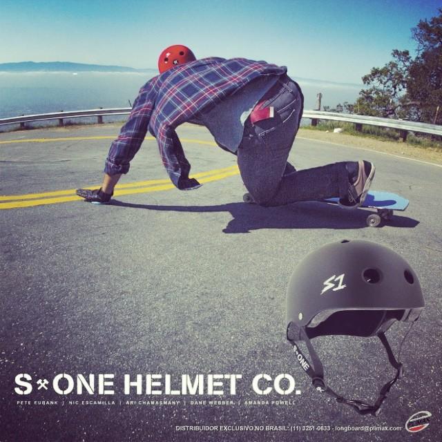 #s1helmets ad in a Brazilian #skatemag @crvis3rskateboarding . #malachiquimby #capacetes #lifer #helmet #downhill #longboarding #plimaxdistro