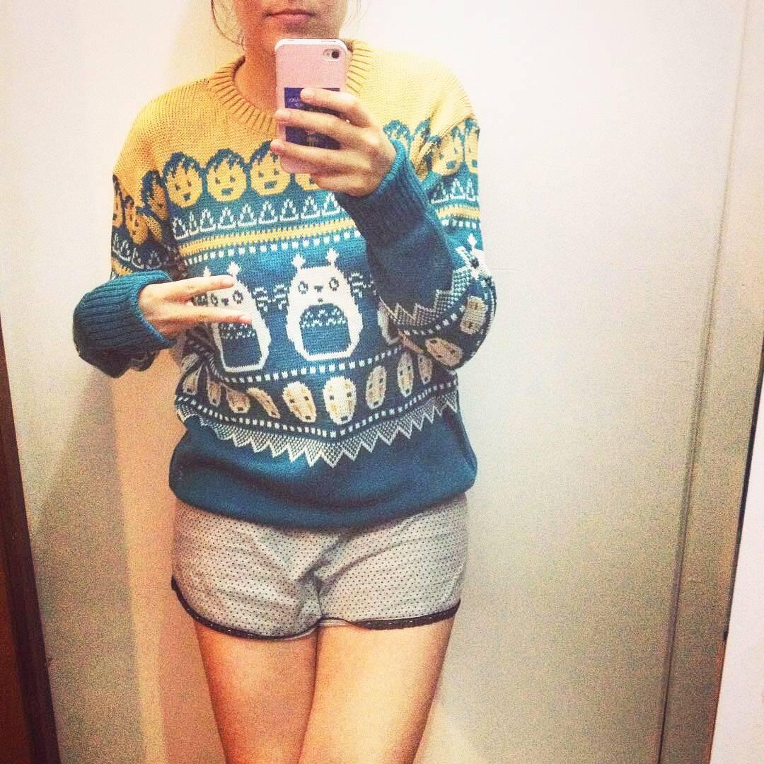 Netflix & Sweater (