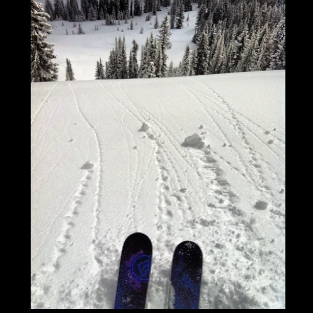 April 14th you say? Still looks like winter to me! With @escapewithjenny @aspensnowmass