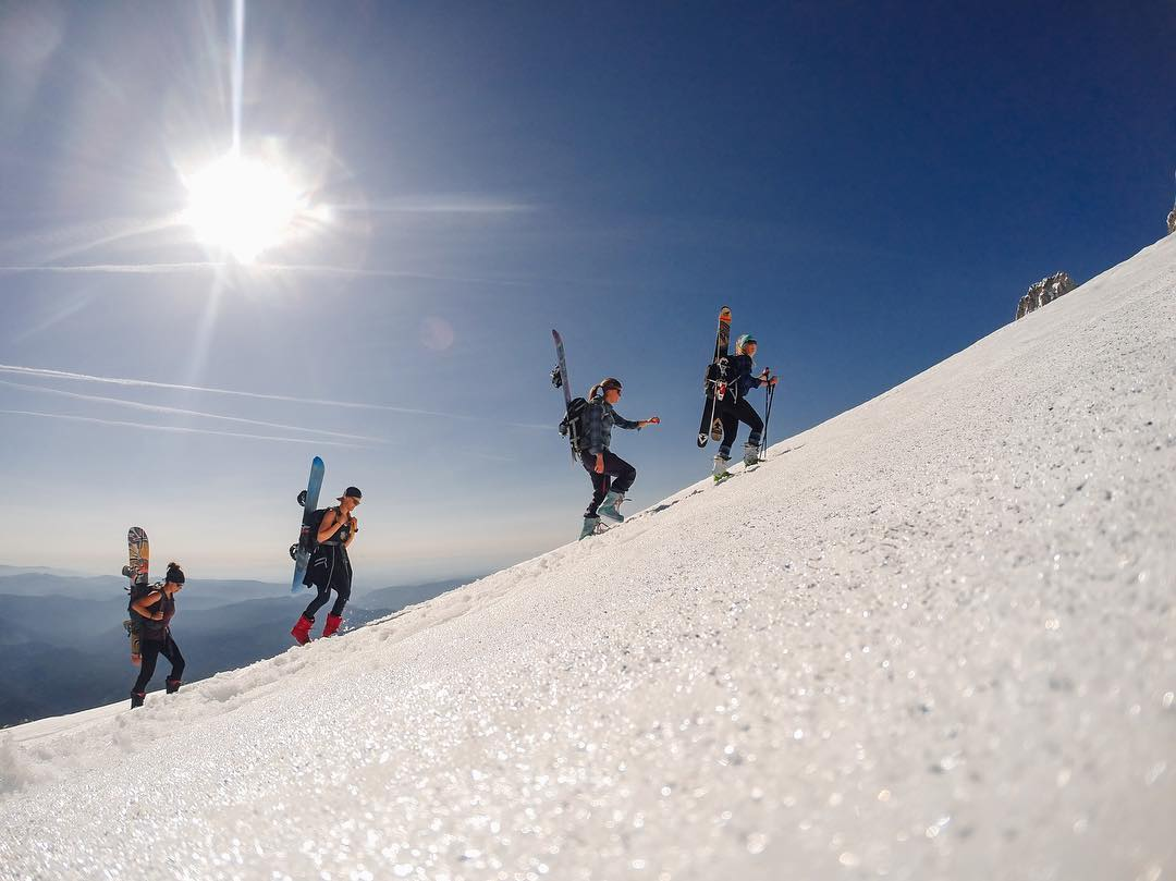 #WCW + #GoProGirl @findmeoutside  Hello again, its Elena! Last May, a group of ladies and I set out to climb Mt. Hood to illumination Rock from the parking lot. It was incredibly hot the day we decided to climb, so we moved rather slow, but made it...