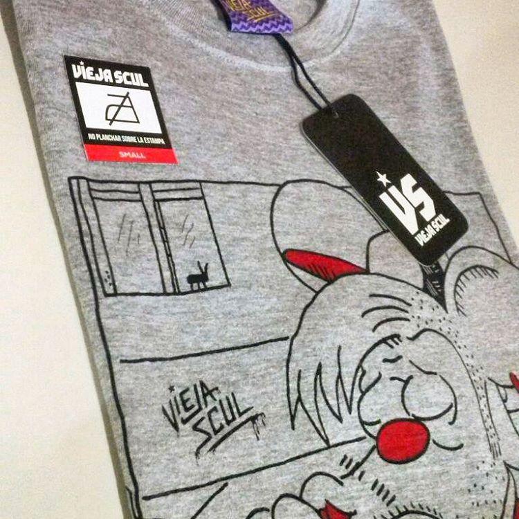 Ya está en la calle la nueva colección Winter M M X V I de Vieja Scul, enteraré donde conseguirla en www.viejascul.com.ar #newseason #tshirt #hoodie #sweater #instapic #winter #viejascul