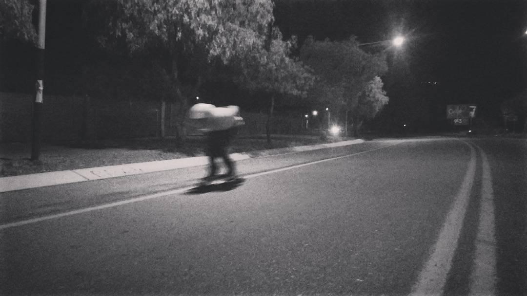 La noche tiene lo suyo... ¡Carilo, Mendoza, Lucas Falcioni haciendo lo que mejor sabe! #andarxandar #WikaSport