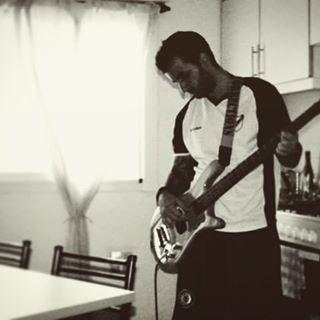 #Warwick #Bass #PlayMusic #EnElBunker #MusicaYRelax #MusicIsTheAnswer #Love #WarwickBass #Fender #Squier #SquierByFender #amplifier