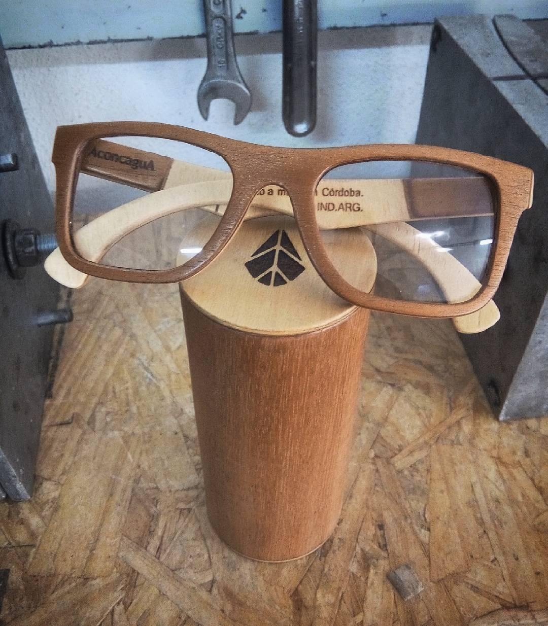 Nuevos estuches hechos completamente a mano.  #handmade #woodglasses #diseñoargentino #woodworking #koosh