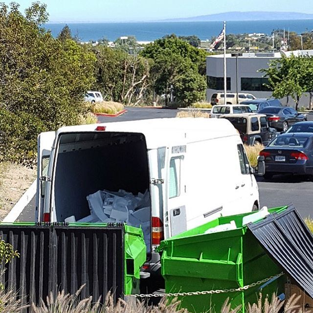 Even the dumpsters in #Malibu get an awesome view of the ocean...