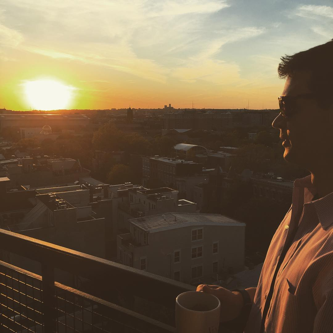 Gorgeous sunset over #dc with #waveborn #sunglasses and @tylergraydc #findthesun #givesight #startuphoyas #dctech