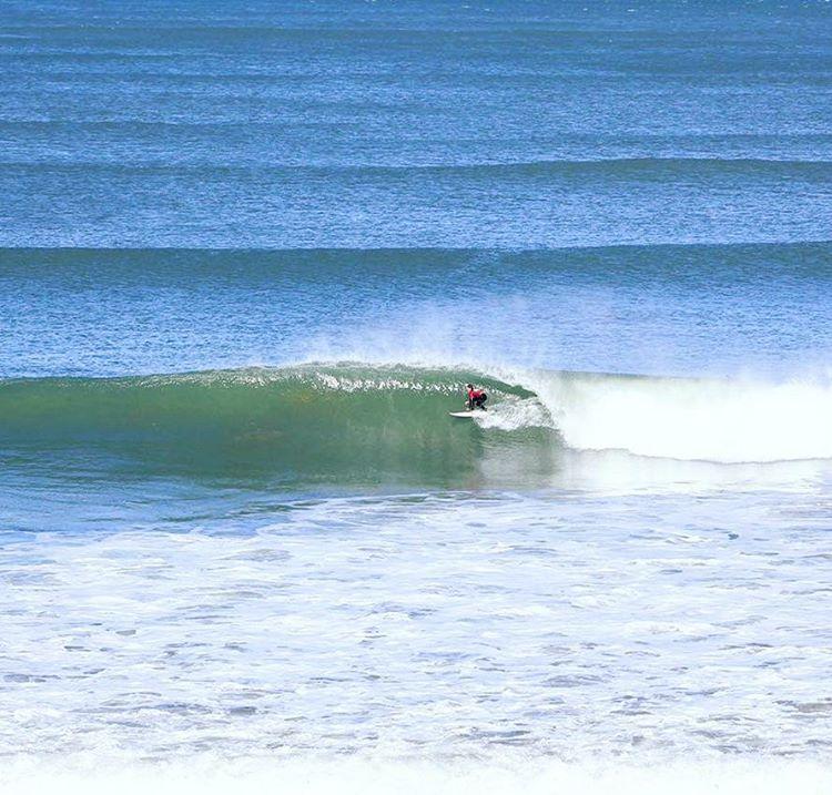 @sebas_ventura con un tubo y un floater 8,5 en esa ola! Segundo score más alto del día de ayer con 8,5 y 6'83, llegando a octavos en La Paloma Classic!! #ReefTeam #Justpassingthrough #surfing