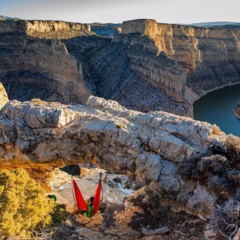 GIVEAWAYS ALL WEEK -> It's #EarthDay - we want you to get outside today & celebrate with us! We've teamed up w/ our friends at @kammok to celebrate #NationalParkWeek - win a rad Parks Project prize pack, including a Roo + Python Straps. Follow...