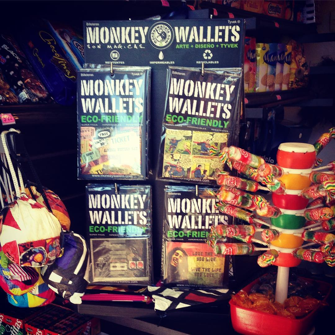Podes encontrar tu Monkey Wallet en Av libertador 3872.