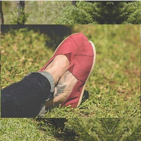 En su día homenageamos a la tierra con nuestra línea #ECOPERKY realizadas con algodón reciclado con plástico de botellas  PET y su suela de PVC reciclado con corcho sin perder su calidad y flexibilidad. #ecofriendly #eco #ecologic #shoes #moda #Pet...