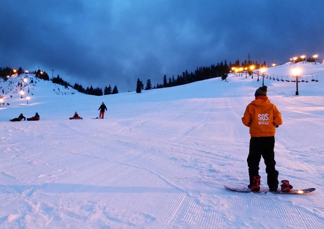 Closing day at #Alpental is tomorrow! Thanks for an awesome season @summitatsnoqualmie .