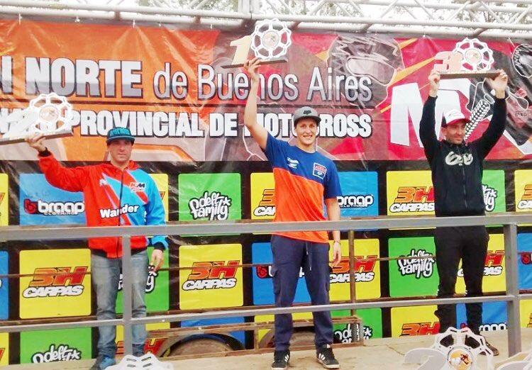 Felicitaciones @joaquinpoli199 primero la fecha del #mxdelnorte que se llevó a cabo en Navarro.  #Fox #foxheadargentina #foxhead #mx #motocross PH & info: Walter Añido de MXLaRevsita