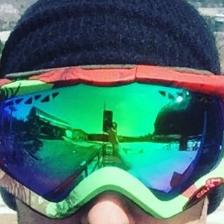 #justsendit #goggletan #skiing #snowboarding #mountsnow #goggles @anonoptics @mountsnow #summit