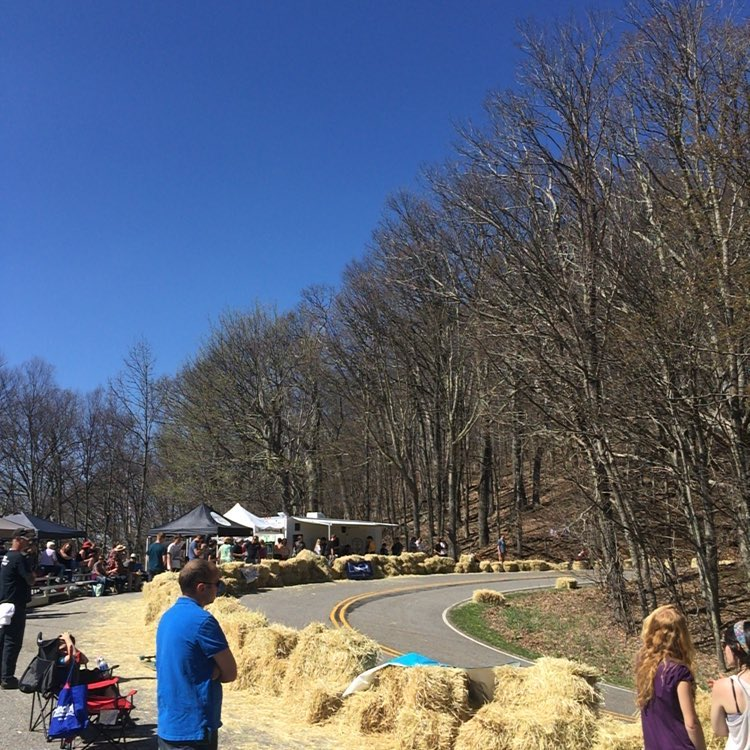 Push Culture here in full force at the North Carolina Downhill race at Mt. Jefferson !! Womens finals just went down and open finals are about to drop. And guess what? @emilylongboards is in womens finals AND open consi's