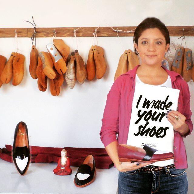 Diseñadora de sueños.  La esencia de cada mujer.  Conciencia de realizar un trabajo  100%entrega 100% artesanal  Zapatos de lujo.  #fashionrevolution  #amor #fash_rev #amor #shoes #quienhizomiropa #fashionrevolutionweek