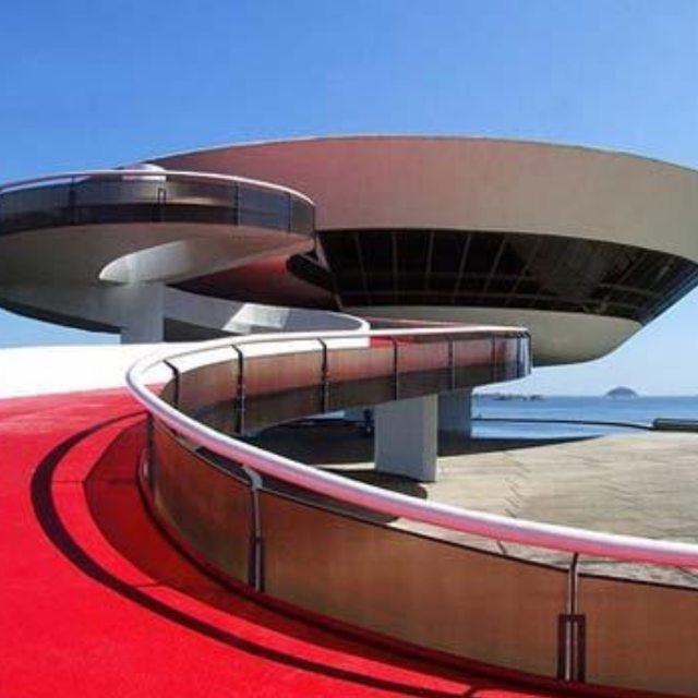 Formas q inspiran museo de arte contemporaneo de Niterói #museo