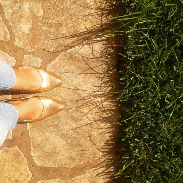 Un día dorado a mis pies #shoes #diseñocalzado #muylomas #lamodaquehabito