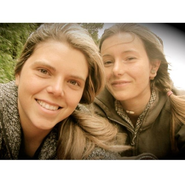 Don't be fooled by those pretty faces, @rachel_rayne & #CharlieCricket are two badasses. Go to www.longboardgirlscrew.com and check their latest video #daggersisters Killing it, ladies! #longboardgirlscrew
